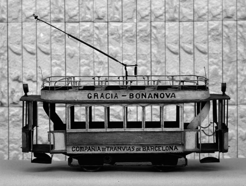 "Tranvía de Barcelona realizado por un ""llauner de Gràcia""."